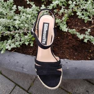 Zwarte zomer sleehakken met print | Sleehakken in zwart met touwzool