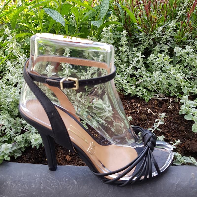 Zwarte sandalen met smalle bandjes | Zwarte sandalen met hak 10cm