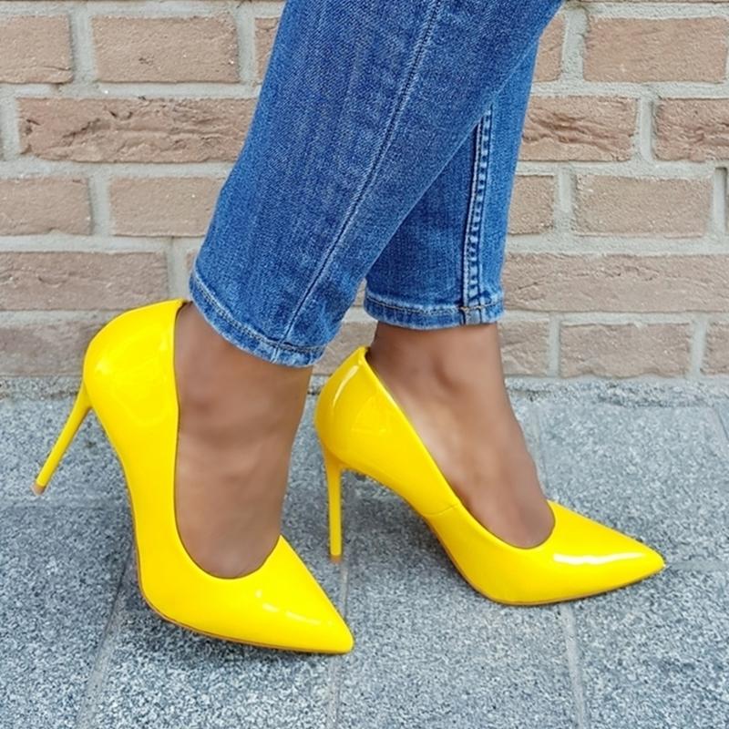 Comfortabele gele lak pumps met hoge naaldhak | Pumps geel met hoge hak