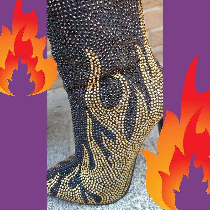 booties met gouden vlammen
