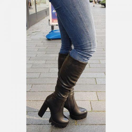 Zwarte laarzen tot onder de knie | Laarzen kniehoogte met brede hak | Laarzen met profielzool tot de knie