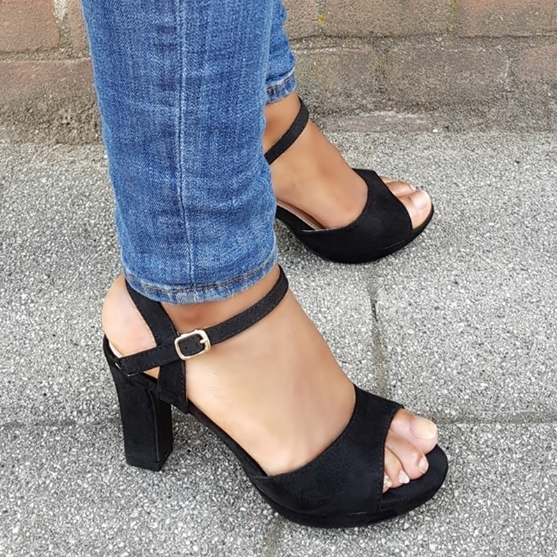 Sandaaltje met hak in kleine maat | Open schoenen maat 33 34 35