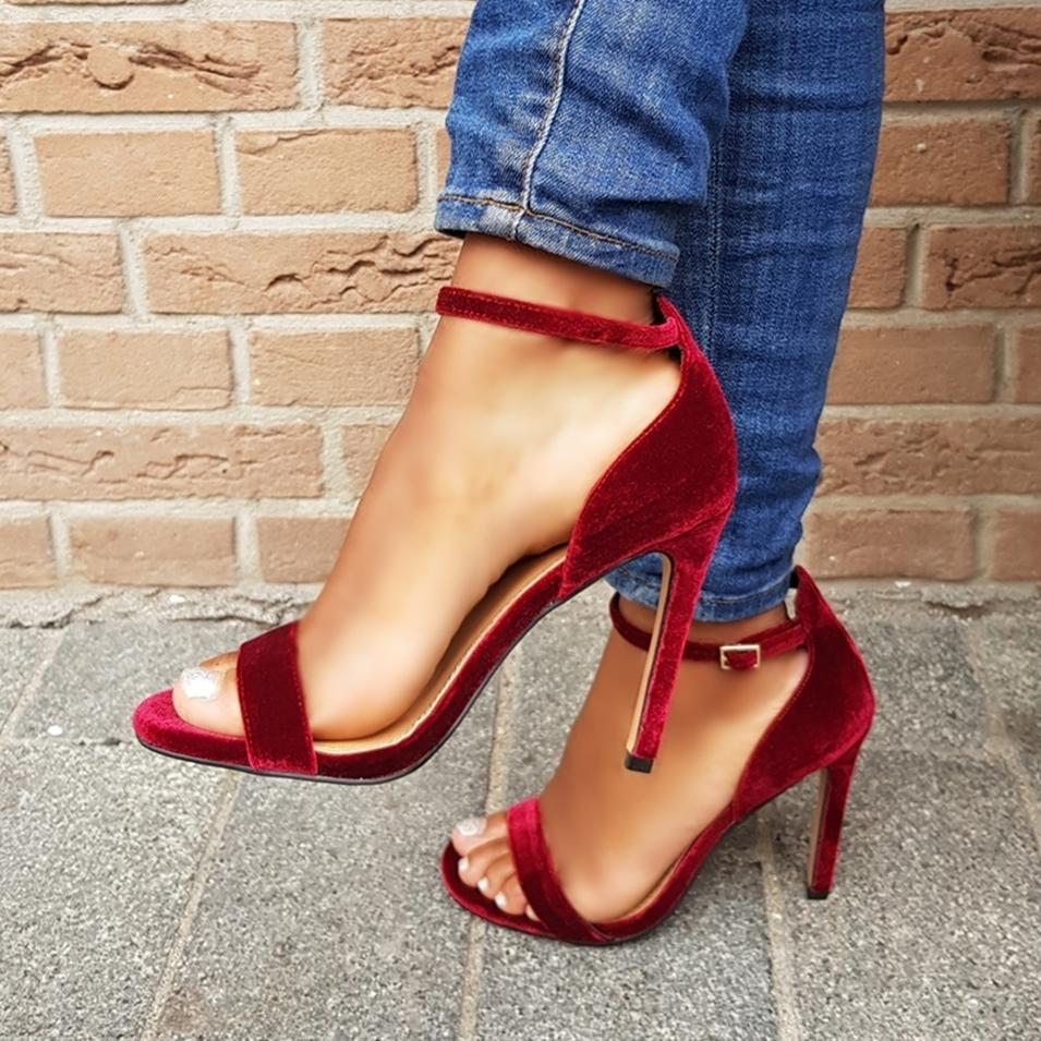 Bordeaux rode sandaaltjes met hak