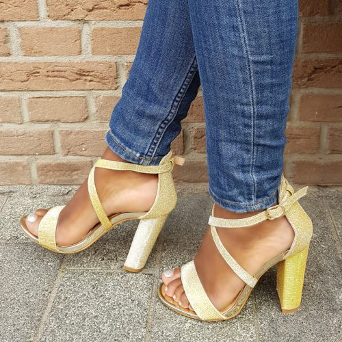 Gouden sandalen met blokhak en glitters   Feestelijke sandaaltjes goud