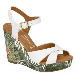 Comfortabele witte sleehakken | Zomerse witte sandalen met sleehak