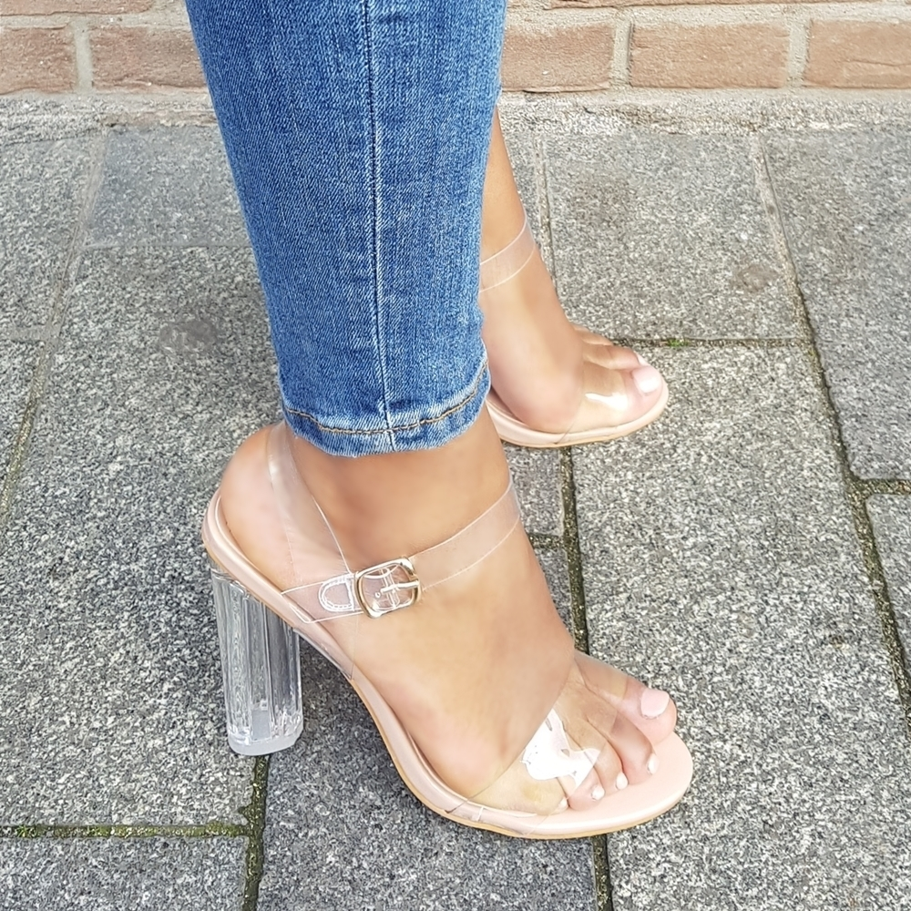 Clear heels of perspex heels in nude met bandjes | Doorzichtige sandalen met blokhakken