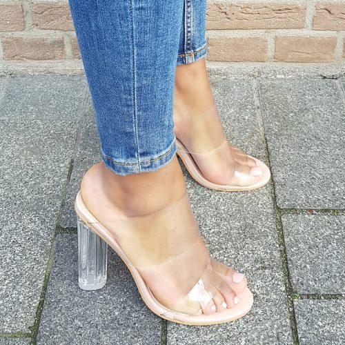 Clear heels of perspex heels slippers in nude | Doorzichtige slippers met blokhak in nude