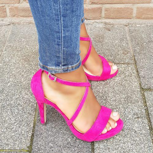 Roze sandalen met hoge hak en kruisbanden over de voet | Menbur sandalen met hak in fuchsia