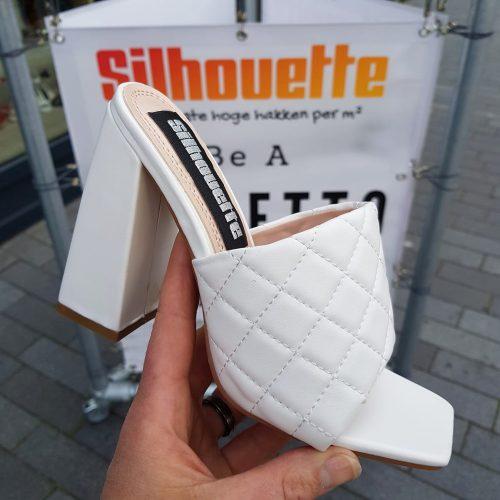 Witte slippers met vierkante neus en brede hak | Slippers in wit met hoge hak en vierkante neus