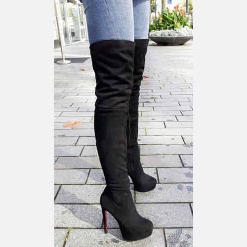 Zwarte suede look overkneelaarzen met hoge hak voor smalle benen | Zwarte overkneelaarzen met paarse zool en hak