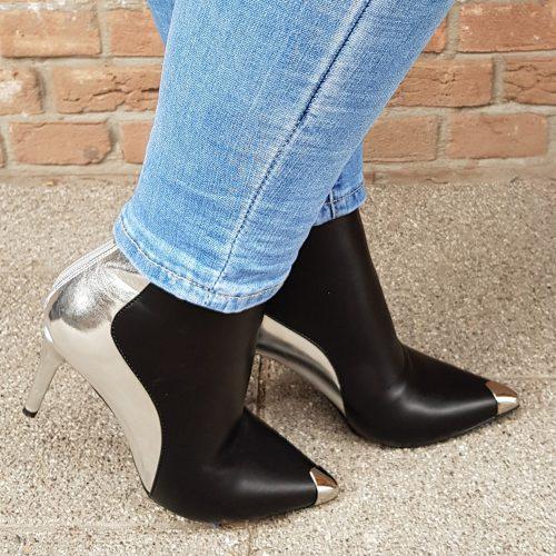 Enkellaarsjes zwart met zilver met naaldhak | Zwart met zilveren enkellaarsjes