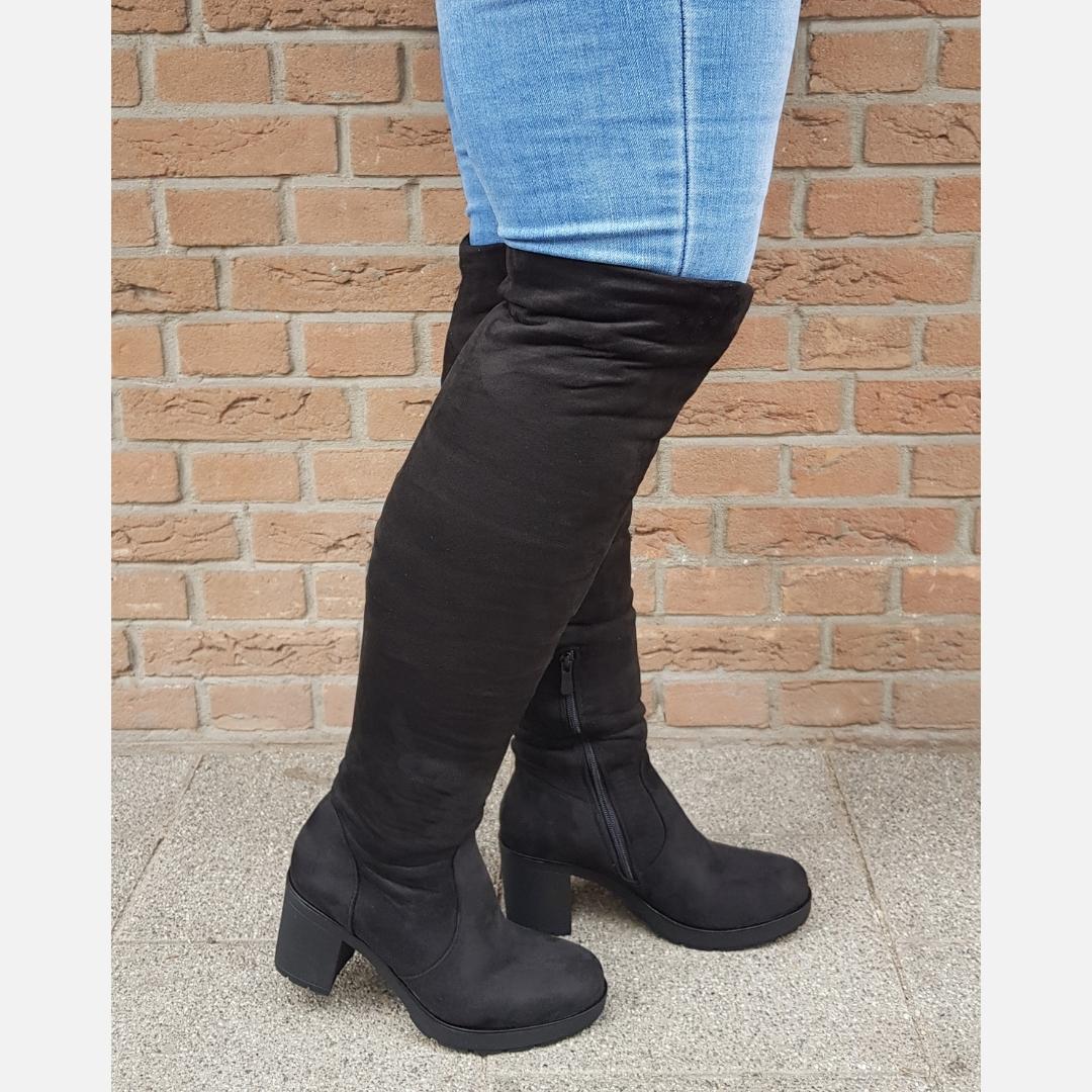 Overknee laarzen met lage blokhak in zwart | Silhouette