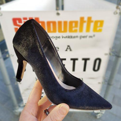 Zwarte pumps maat 31 32 33 34 met hak |Zwarte velvet pumps in kleine schoenmaten met hak