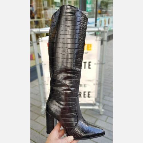 Laars crocoprint zwart met blokhak en puntneus | Zwarte hoge laarzen met kroko print en blokhak