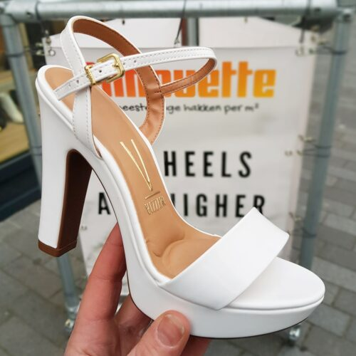 Witte lak sandalen met brede hak en plateau | Sandalen met hak in wit lak