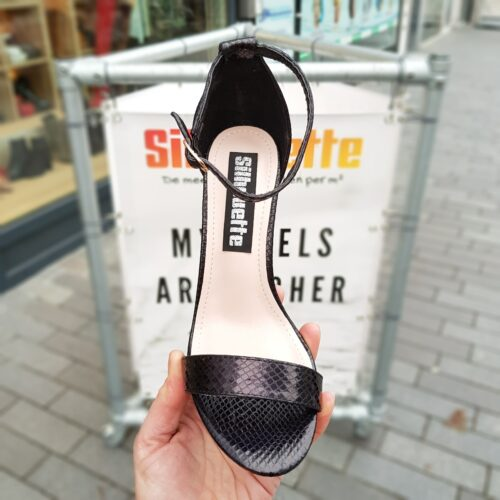 Sandalen met blokhak zwart | Zwarte metallic blokhakken