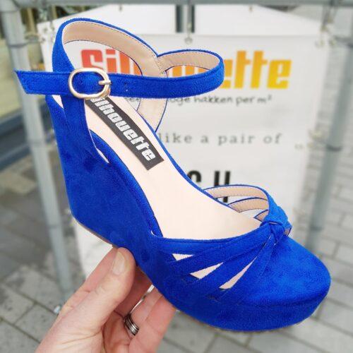 Blauwe sleehak sandalen in kleine maten met smalle bandjes | Sleehakken voor smalle kleine voeten