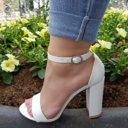 Witte sandalen met blokhak | Witte vegan leren sandaaltjes met stevige hak