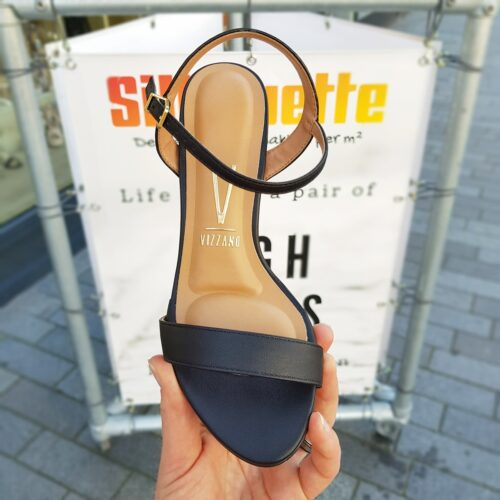 Zwarte sandalen met blokhak vizzano eco leer | Zwarte comfortabele sandalen met stevige hak