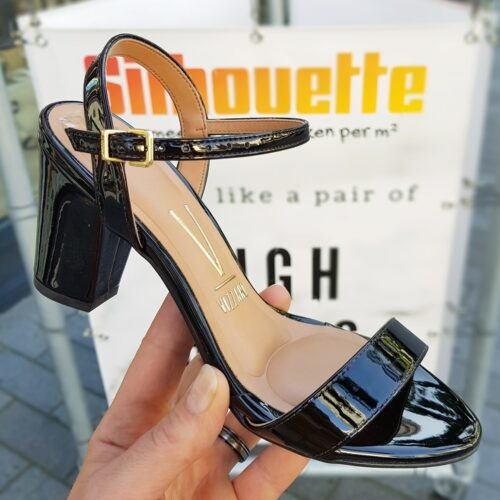 Zwarte lak sandalen met lage blokhak Vizzano | Sandalen in zwart lak met bredere hak