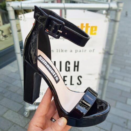 Zwarte blokhak schoenen met plateau en dichte hiel