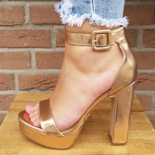 Rose gouden sandalen met blokhak en plateau