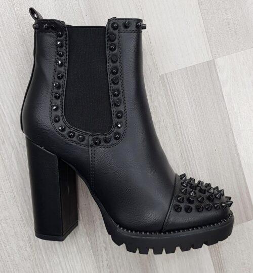 Enkellaars met studs en stevige hak | Chelsea boots met studs en spikes