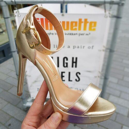 Gouden sandalen met hak en enkelbandje Vizzano | Gouden hoge hakken met open teen